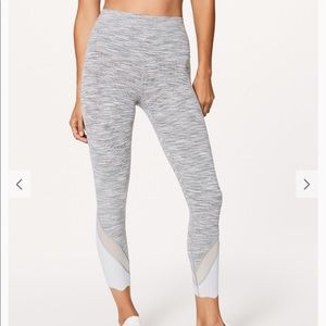 New LULULEMON Wunder Under Crop Scallop Mesh 8